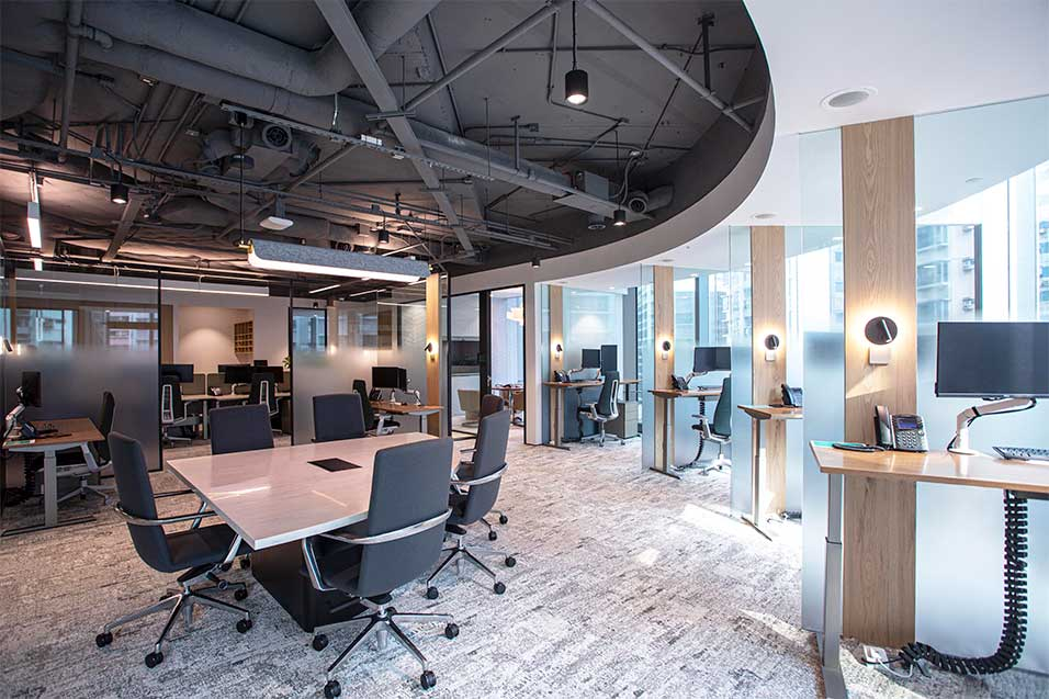 Enclosed meeting spaces and desk options